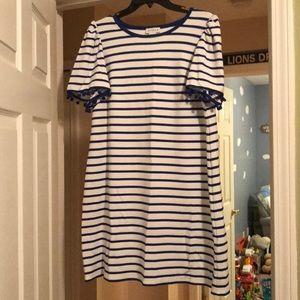Dresses & Skirts - EUC blue and white shift dress